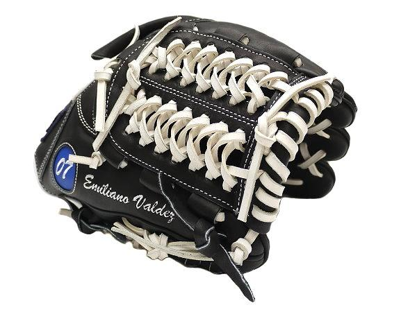 ZETT 11.5 inch Custom Glove for Mr. Valdez