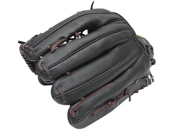 ZETT Pro Model 13 inch Black Outfielder Glove